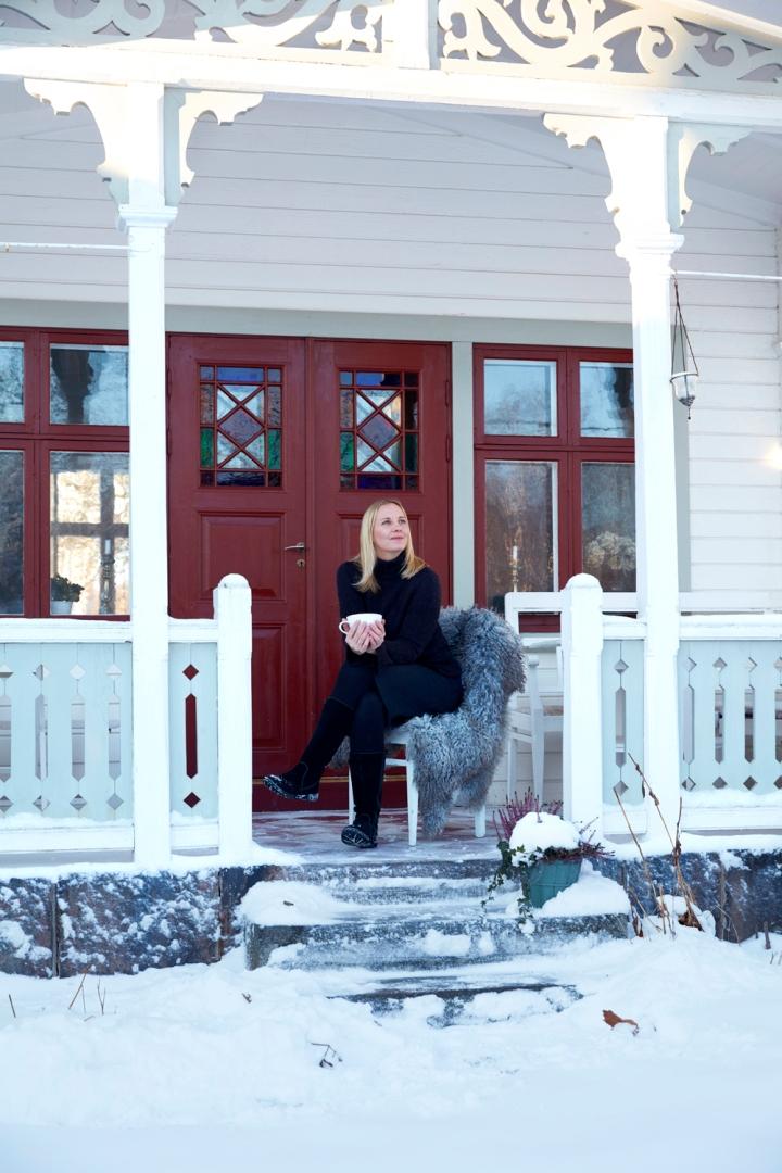 sara_veranda4V0A9158